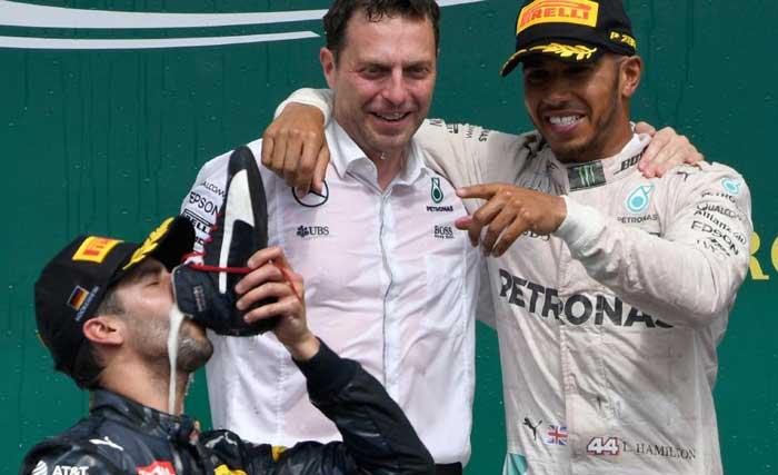 Ricciardo e seu shoey
